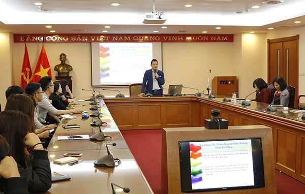 Lawyer Pham Duy Khuong Training Copyright Law for Vietnam News Agency