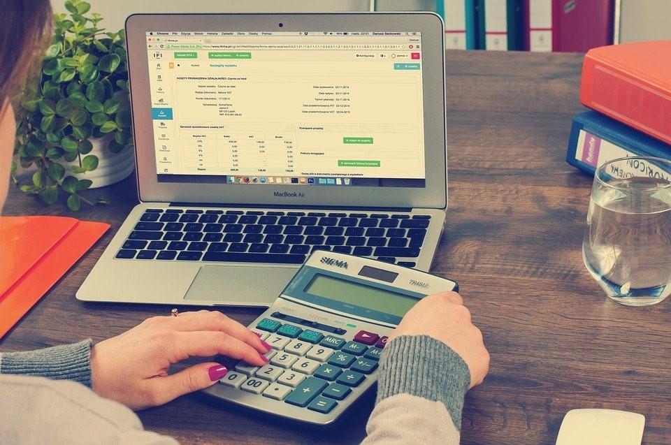 Những lưu ý cần chú ý về chi phí hợp lí ở Việt Nam, Điều kiện để các khoản chi trở thành chi phí hợp lí, chi phí hợp lí, Chi phí kinh doanh và chi phí cá nhân, chi phí hợp lí ở Việt Nam, lưu ý cần chú ý về chi phí hợp lí ở Việt Nam, chi phí cá nhân, Chi phí kinh doanh